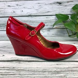 Rialto cherry red patent leather wedges Sz 10 M